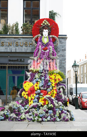 Chelsea in Bloom London, UK. Japanese sea goddess with floral kimono, floral art. Florist: Inwater Flowers. Royal Borough of Kensington and Chelsea. - Stock Photo