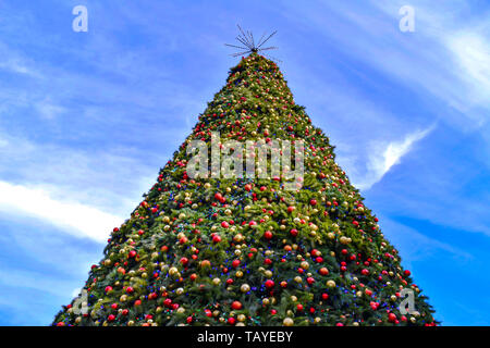 Orlando, Florida . December 24, 2018. Top view of Christmas Tree in Lake Eola Park area at Orlando Downtown. - Stock Photo