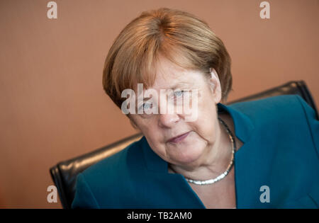 Berlin, Germany. 29th May, 2019. Chancellor Angela Merkel (CDU) is waiting for the start of the cabinet meeting at the Chancellor's Office. Credit: Michael Kappeler/dpa/Alamy Live News - Stock Photo