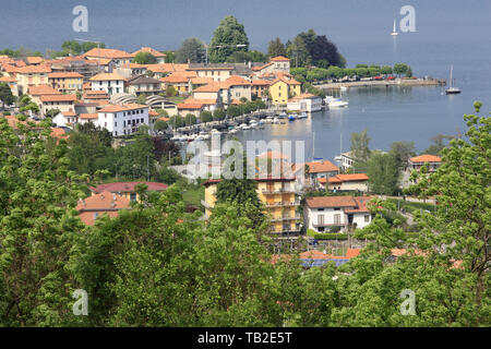 Lac d'Orta. Pella. Italie. Lake Orta. Pella. Italy. - Stock Photo