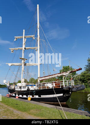 La Malouine, French twin masted Brigantine built in Poland 1972  Moored at Purton on the Gloucester and Sharpness Canal, on it's way to the Gloucester - Stock Photo
