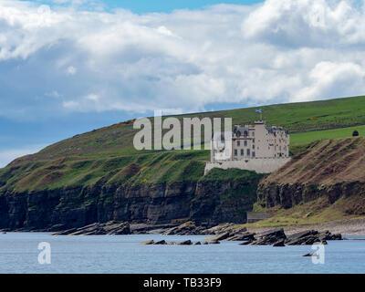Dunbeath Castle, Caithness, Scotland. - Stock Photo
