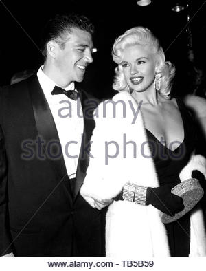 JAYNE MANSFIELD AND HUSBAND MICKEY HARGITAY. Credit:  SMPGlobe Photos / MediaPunch. - Stock Photo
