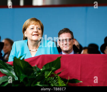 Cambridge, USA. 30th May, 2019. Chancellor Angela Merkel (CDU) smiles ahead of her speech at Harvard University. In an emotional speech at the US elite university Harvard, Chancellor Merkel promoted international cooperation and mutual respect - and clearly distinguished herself from US President Trump. Credit: Omar Rawlings/dpa/Alamy Live News - Stock Photo