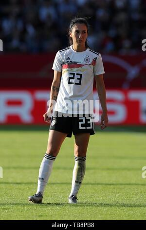 Regensburg, Deutschland. 30th May, 2019. firo: 30.05.2019, Football, Landerspiel, Test match women, Germany - Chile, Sara Doorsoun, Germany, DFB, GER, full figure, | usage worldwide Credit: dpa/Alamy Live News - Stock Photo