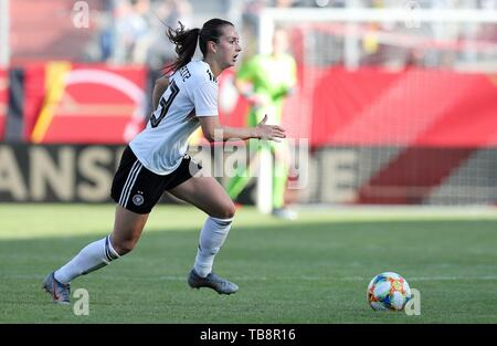 Regensburg, Deutschland. 30th May, 2019. firo: 30.05.2019, Football, Landerspiel, Test match women, Germany - Chile, Sara Dabritz, Germany, DFB, GER, single action, | usage worldwide Credit: dpa/Alamy Live News - Stock Photo