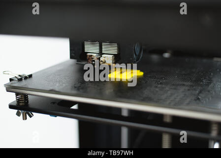 Process of printing physical plastic model on automatic 3d printer machine. Additive technologies, 3D printing and prototyping industry concept. 3d pr - Stock Photo