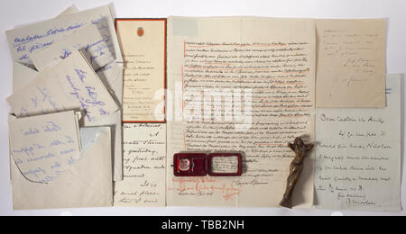 Paul von Hintze (1864 - 1941) - a family coat of arms and letters Carved lead crystal with the coat of arms of the Hintze family (part of his seal ring) in red leather case and old handwritten confirmation. With a handwritten letter of Crown Prince Wilhelm of Prussia (1882 - 1951) in which he asks a favour regarding two female friends, dated 12 October (during the First World War), also two letters in French on the same matter from the same author. Also a letter from Admiral George Dewey (1837 - 1917) from the 'Flagship Olympia' of his Asiatic Sq, Additional-Rights-Clearance-Info-Not-Available - Stock Photo