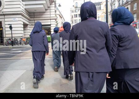 Muslim school children in Central London - Stock Photo