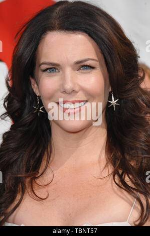 LOS ANGELES, CA. June 10, 2007: Lauren Graham at the world premiere of 'Evan Almighty' at the Gibson Amphitheatre, Universal Studios, Hollywood. © 2007 Paul Smith / Featureflash - Stock Photo