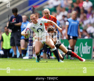 Kelly Smith in action during the England v Barbarians Women at Twickenham, London. England women won 40-14 - Stock Photo