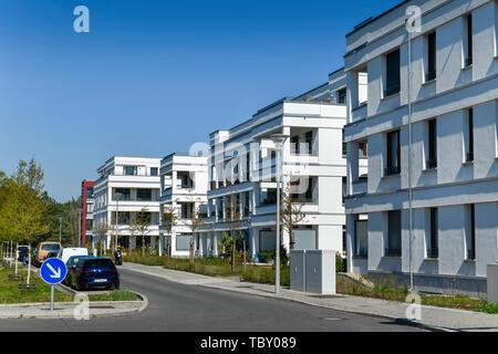 New building settlement, Newtonstrasse, eagle court, Berlin, Germany, Neubausiedlung, Newtonstraße, Adlershof, Deutschland - Stock Photo