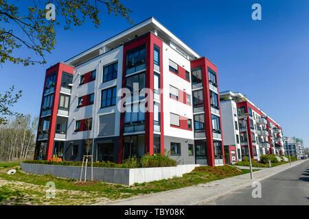 New building settlement, Konrad's Zuse street, eagle court, Berlin, Germany, Neubausiedlung, Konrad-Zuse-Straße, Adlershof, Deutschland - Stock Photo