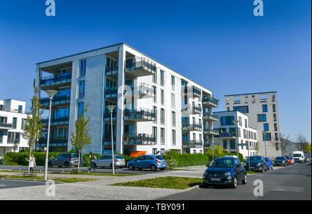 New building settlement, Abram Joffe street, eagle court, Berlin, Germany, Neubausiedlung, Abram-Joffe-Straße, Adlershof, Deutschland - Stock Photo