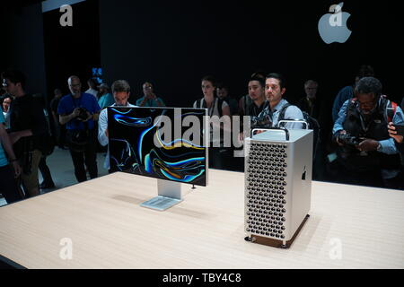 San Jose, USA. 03rd June, 2019. The new Apple professional Mac Pro and the 6K Pro Display XDR display at the WWDC 2019 developer conference in San Jose. Credit: Christoph Dernbach/dpa/Alamy Live News - Stock Photo