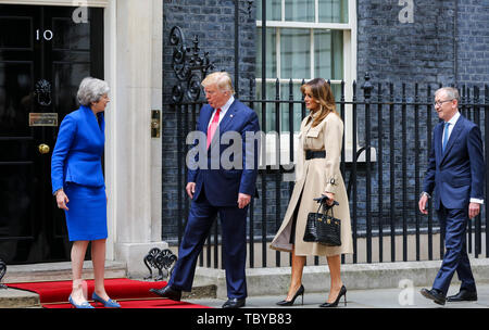 Downing Street, London, UK. 4th June, 2019. The British Prime Minister Theresa May welcomes US President Donald Trump and First Lady Melania Trump to No 10 Downing Street on the second day of their State Visit to the UK. Credit: Dinendra Haria/Alamy Live News - Stock Photo