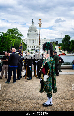 Pipe Major of the Los Angeles Police Pipes and Drums team in front of the Capitoal Building in Washington DC, USA on 14 may 2019 - Stock Photo