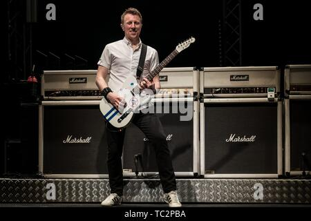 Berlin, Deutschland. 03rd June, 2019. 03.06.2019, the British rock band Status Quo live on stage with the program 'Back on Tour 2019' at the Tempodrom in Berlin. Guitarist Richie Malone live on the stage.   usage worldwide Credit: dpa/Alamy Live News - Stock Photo