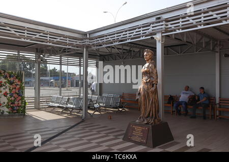 Krasnodar, Russia. 05th June, 2019. KRASNODAR, RUSSIA - JUNE 6, 2019: A 2.5-metre high sculpture of Empress Catherine the Great of Russia unveiled at Krasnodar International Airport. On 31 May 2019 Russia's President Vladimir Putin signed a decree to add the names of notable Russian people to the names of some 40 airports across Russia following a national vote. Krasnodar International Airport is named after Empress Catherine the Great of Russia. Vitaly Timkiv/TASS Credit: ITAR-TASS News Agency/Alamy Live News - Stock Photo
