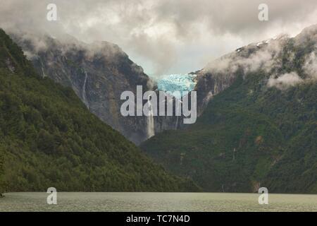 Ventisquero Colgante hanging glacier above Laguna Tempanos in Queulat National Park, Patagonia, Aysen, Chile. - Stock Photo