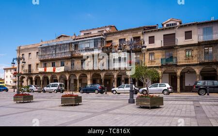 Plaza Mayor porticada. Béjar. Salamanca. Castilla León. España.