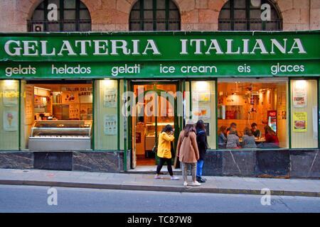 Italian ice cream shop, gothic quarter, Barcelona, Catalonia, Spain - Stock Photo