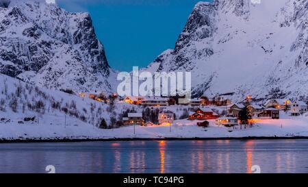 The fishing village of Reine, on Moskenseoya Island in the Lofoten Islands, Arctic, Northern Norway. - Stock Photo