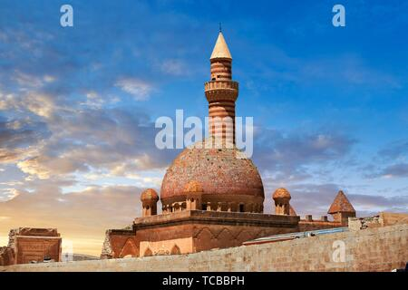 Minarete of the Mosque of the 18th Century Ottoman architecture of the Ishak Pasha Palace (Turkish: ?shak Pa?a Saray?) , Agr? province of eastern