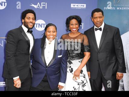 Los Angeles, CA, USA. 6th June, 2019. Denzel Washington, Pauletta Washington, Katia Washington, Malcolm Washington at arrivals for AFI Life Achievement Award Tribute to Denzel Washington, The Dolby Theatre at Hollywood and Highland Center, Los Angeles, CA June 6, 2019. Credit: Elizabeth Goodenough/Everett Collection/Alamy Live News - Stock Photo