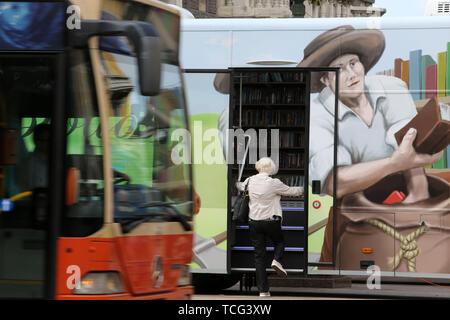 Rijeka, Croatia. 7th June, 2019. The photo taken on June 7, 2019 shows a bus library during the 8th Festival of Bibliobus in Rijeka, Croatia. The event is part of the Rijeka 2020 European Capital of Culture activities. Credit: Goran Kovacic/Xinhua/Alamy Live News - Stock Photo