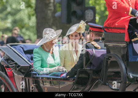 London, UK. 8th June, 2019. Kate and Camilla The Duchesses of Cambridge and Cornwall ride on an open top carriage along The Mall after returning form Trooping the colour ceremony for the Queen's official 93rd birthday Credit: amer ghazzal/Alamy Live News - Stock Photo