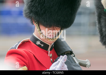 London, UK. 8th June, 2019. Ceremonial Guards  march on The Mall during  the Queen's birthday parade also popularly known as Trooping the Colour  to celebrate Her Majesty Queen Elizabeth II official 93rd birthday Credit: amer ghazzal/Alamy Live News - Stock Photo