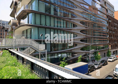 520 West. 28th Street. the luxury apartment building designed by Zaha Hadid next to the High line Park in Chelsea.Manhattan.New York City.USA - Stock Photo