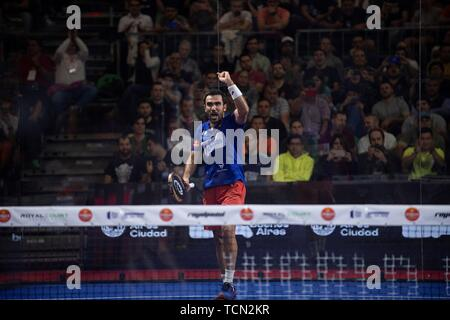 Buenos Aires, Argentina. 08th June, 2019. Brazilian Pablo Lima celebrates the victory against the Argentines Franco Stupaczuk and Matias Diaz during a semifinal match of the Buenos Aires Padel Master, in Buenos Aires, Argentina, 08 June 2019. Credit: Matias Gabriel Napoli/EFE/Alamy Live News - Stock Photo