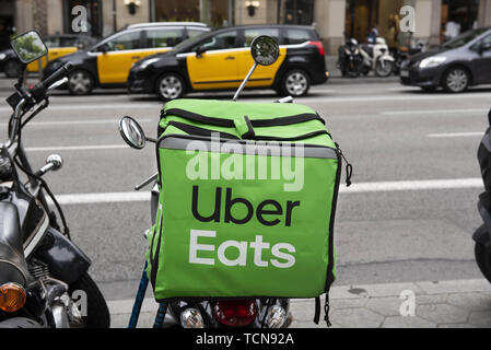 Barcelona, Spain. 29th May, 2019. American online food ordering and delivery platform launched by Uber, Uber Eats, logo on a bicycle in Barcelona. Credit: Miguel Candela/SOPA Images/ZUMA Wire/Alamy Live News - Stock Photo