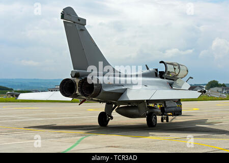 Exhaust nozzles of the twin-engine French Air Force Dassault Rafale B 4-FU SPA 81 fighter aircraft,  Payerne military airfield, Switzerland - Stock Photo