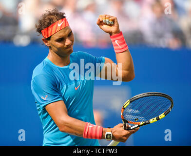 London, UK. 16th June, 2015. LONDON, ENGLAND - JUNE 16: Rafael Nadal during day two of the Aegon Championships at Queen's Club on June 16, 2015 in London, England. People: Rafael Nadal Credit: Storms Media Group/Alamy Live News - Stock Photo