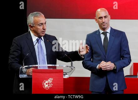 Madrid, Spain. 10th June, 2019. IOC President, Thomas Bach (L), speaks next to President of the Royal Spanish Soccer Federation (RFEF), Luis Rubiales (R), during the RFEF's general ordinary meeting in Madrid, Spain, 10 June 2019. Rubiales said that he is to start contacting the interested cities in Spain's journey to co-host the 2030 World Cup with Portugal. Credit: Paco Campos/EFE/Alamy Live News - Stock Photo