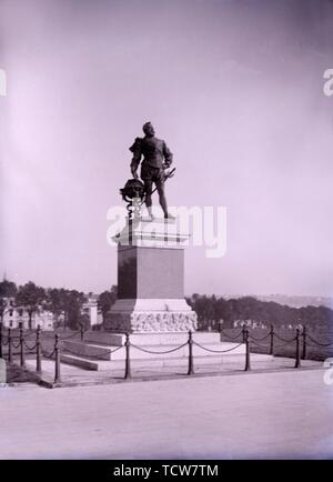 Statue of Francis Drake on Plymouth Hoe in Devon, late 19th-early 20th century. Sculpture by Joseph Boehm, erected in 1883, of English adventurer and pirate Sir Francis Drake (1540-1596). - Stock Photo