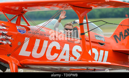 Smyrna, TN, USA. 08th June, 2019. Mike Wiskus waves to the crowd after performing at The Great Tennessee Air Show, in Smyrna, TN. Mandatory Credit: Kevin Langley/Sports South Media/CSM/Alamy Live News - Stock Photo
