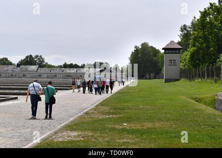 Dachau, Deutschland. 10th June, 2019. Visitors in the Gedenkstaette Concentration Camp Dachau- Gedenkstaette, 1933, 1945, 3, antisewithism, exterminate, extermination, Bavaria, Dachau, deportation, German, German history, Germany, third, Europe, fascism, fascists, fascist, commemoration, memorial, history, Jew, concentration camp, concentration camp, memorial, Nazism, Nazi, Nazis, Nazi, Reich, crime, past, annihilation, extermination camp | usage worldwide Credit: dpa/Alamy Live News - Stock Photo