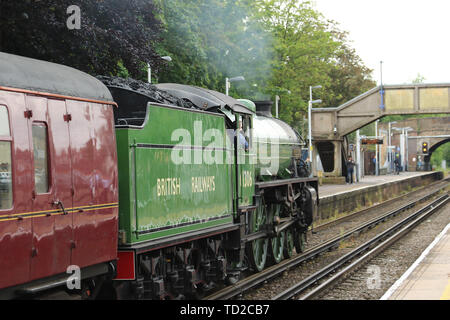 Mayflower LNER Thompson Class B1 61306 Steam Locomotive, The Royal Windsor Steam Express, Hounslow Railway Station, London, UK, 11 June 2019, Photo by - Stock Photo