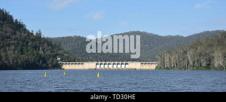 The Somerset Dam is a mass concrete gravity dam with a gated spillway across the Stanley River in Queensland, Australia. The impounded reservoir is ca - Stock Photo