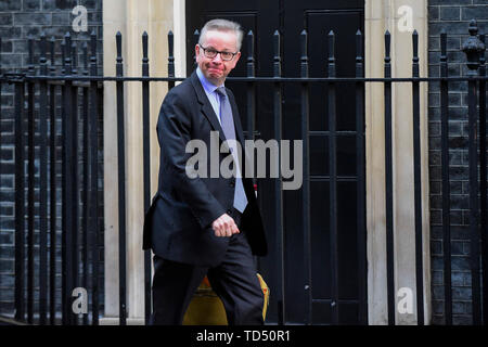 London, UK. 10th June, 2019. File photo taken on Jan. 22, 2019 shows British Environment Secretary Michael Gove arriving at 10 Downing Street for a cabinet meeting in London, Britain. The race to choose a new prime minister officially started on June 10, 2019 with ten hopefuls bidding to win the biggest job in British politics. Credit: Stephen Chung/Xinhua/Alamy Live News - Stock Photo