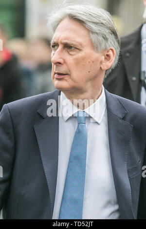 London, UK. 12th June, 2019. Chancellor of the Exchequer Philip Hammond arrives at Parliament on the day Boris Johnson launches his leadership bid for the Conservative Party and Labour Credit: amer ghazzal/Alamy Live News - Stock Photo