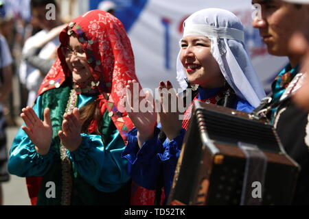 Chelyabinsk, Russia. 12th June, 2019. CHELYABINSK, RUSSIA - JUNE 12, 2019: Women wearing traditional costumes during celebrations marking Russia Day. Nail Fattakhov/TASS Credit: ITAR-TASS News Agency/Alamy Live News - Stock Photo