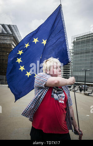 Anti-Brexit activist Drew Galdron and impersonator of British Foreign Minister Boris Johnson takes part in March against Brexit in front of EU headquarters in Brussels, Belgium on 05.09.2017 by Wiktor Dabkowski | usage worldwide - Stock Photo