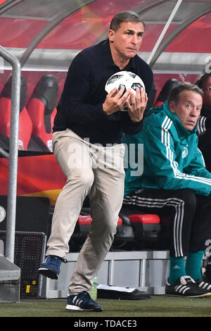 Preview UEFA Under21 European Championship in Italy/SanMarino from 16-30.06 2019. Archiv photo: Stefan KUNTZ, coach (GER) scores the ball in goalkeeping manner. Soccer U-21 Laenderspiel.EM Qualification, Germany (GER) - Norway (NOR) 2-1, on 12.10.2018 in Ingolstadt/AUDI SPORTPARK. DFB REGULATIONS PROHIBIT ANY USE OF PHOTOGRAPH AS IMAGE SEQUENCES AND/OR QUASI VIDEO. | Usage worldwide - Stock Photo