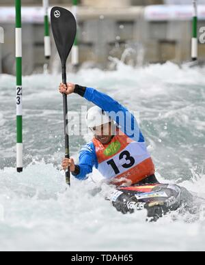 Lee Valley, Hertforshire, UK. 14th June, 2018.  Joan Crespo (ESP). 2019 ICF London canoe slalom world cup. Lee valley white water centre. Mens K1 Kayak. Hertfordshire. UK. 14/06/2019. Credit: Sport In Pictures/Alamy Live News - Stock Photo