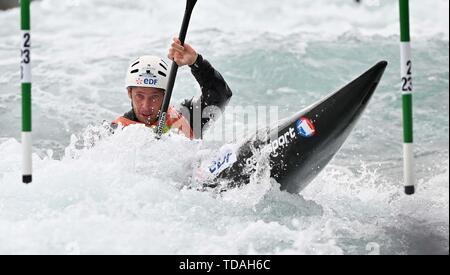 Lee Valley, Hertforshire, UK. 14th June, 2018.  Boris Neveu (FRA). 2019 ICF London canoe slalom world cup. Lee valley white water centre. Mens K1 Kayak. Hertfordshire. UK. 14/06/2019. Credit: Sport In Pictures/Alamy Live News - Stock Photo